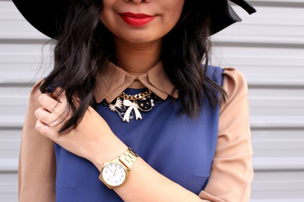 contrast ootd outfit lookbook necklace collar dress thrifted watch