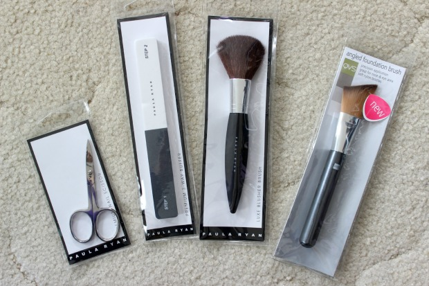 reachme pack box reachme.co.nz food cosmetics brushes