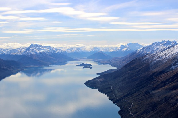 nz milford sound fiordland flight