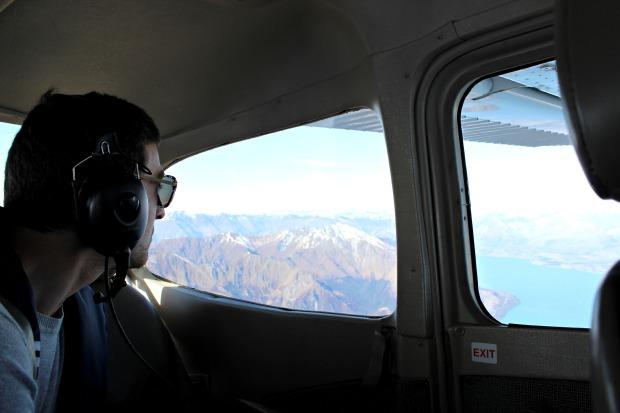 nz queenstown milford sound flight plane
