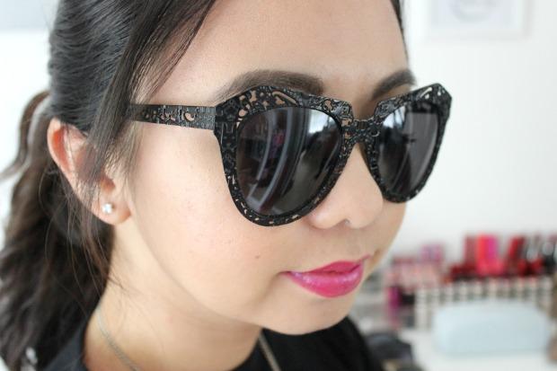 karen walker critter sunglasses selfie