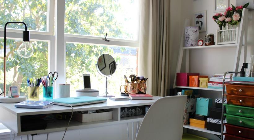 home style room decor desk makeup area