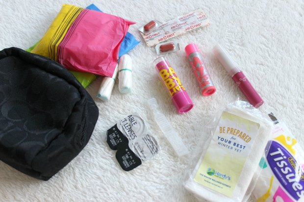 what's in my work bag beauty products