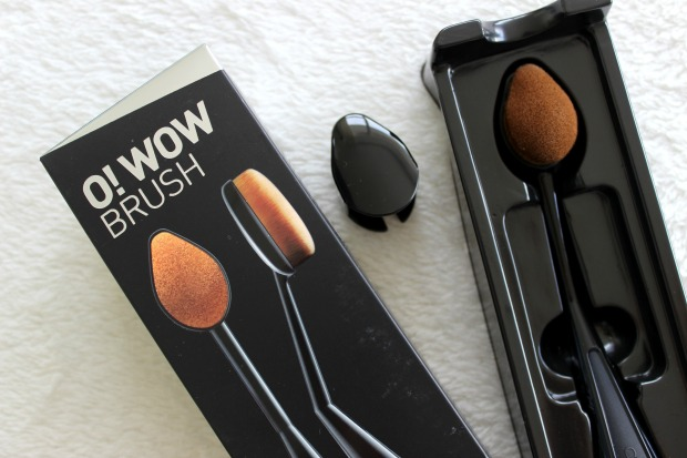 cailyn cosmetics o! wow brush makeup