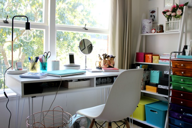 home decor room style desk office shelf