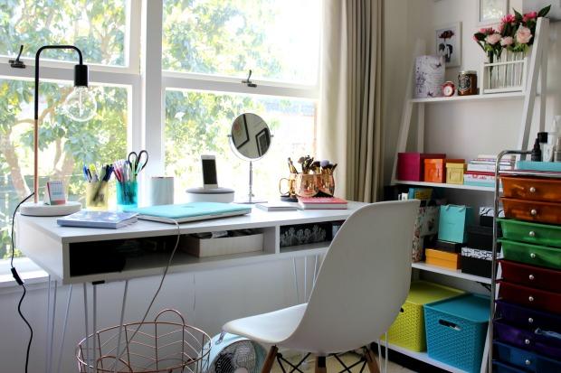 home decor room style desk office shelf