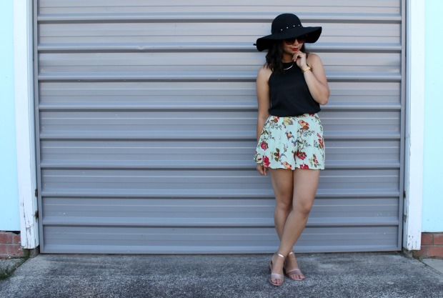 floral shorts summer ootd outfit