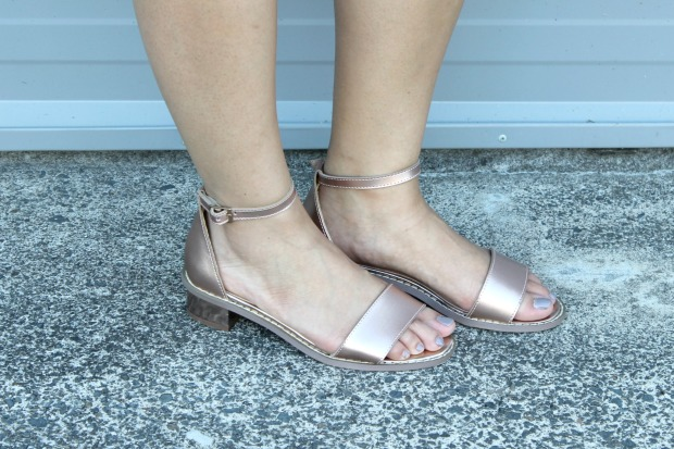 rose gold sandals summer ootd outfit