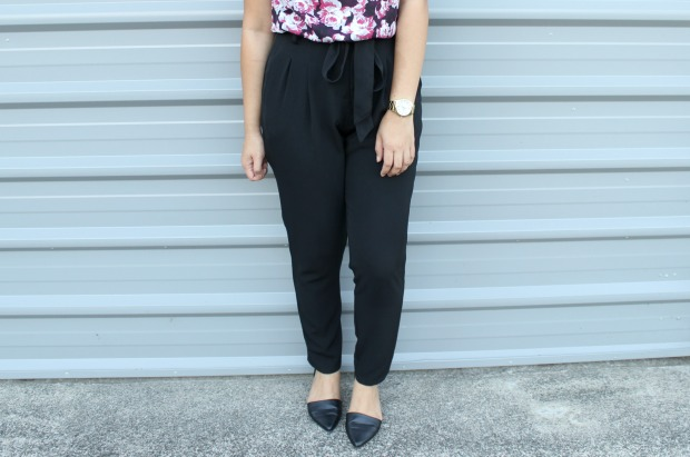 work outfit ootd high-waisted pants mirrou