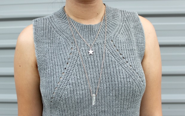 mirrou knit top necklaces