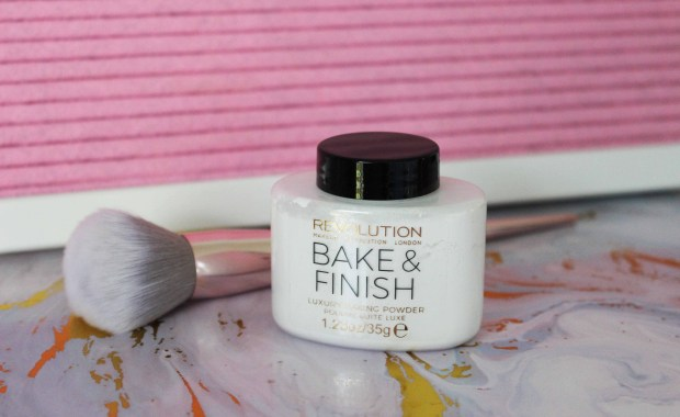 makeup revolution bake & finish powder.jpg